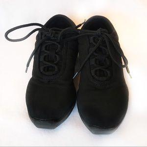 Capezio black canvas dance sneakers sz 5